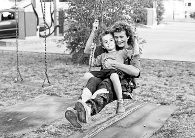 Privat mit ihrem Sohn auf dem Spielplatz