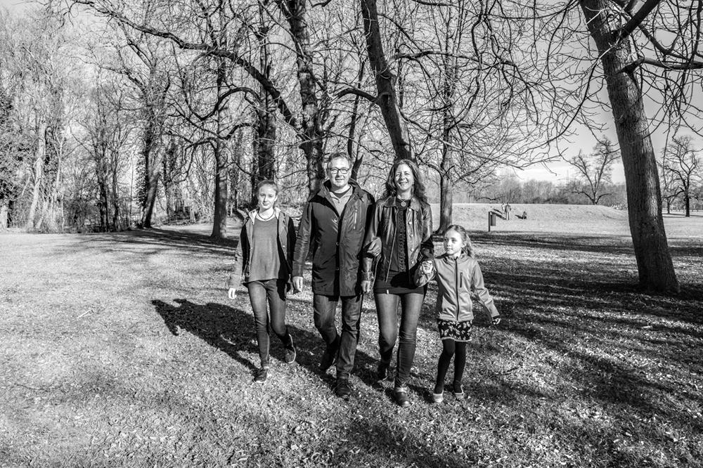 Katrin K. privat beim Spaziergang mit ihrer Familie