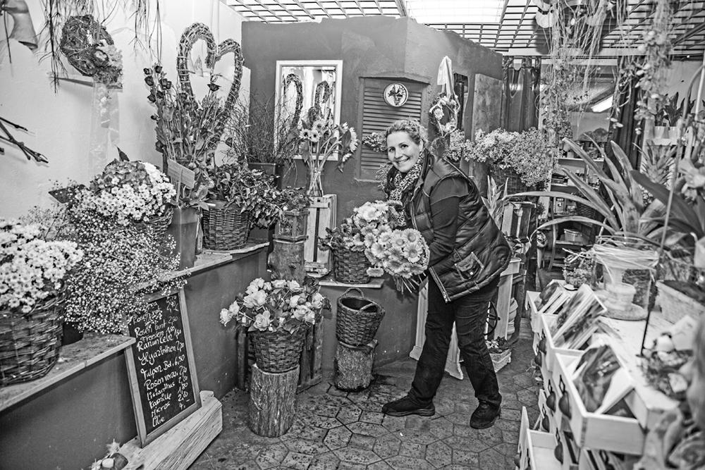 Undine F., Floristin