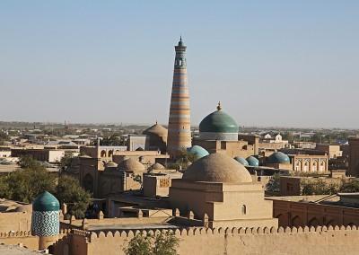 Blick auf ein Minarett in Hodscha