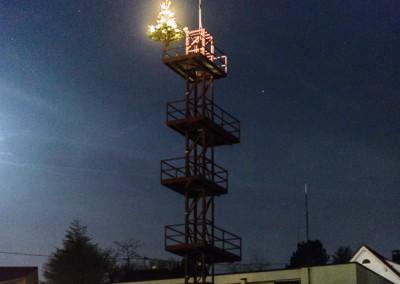 Feuerwache bei Nacht