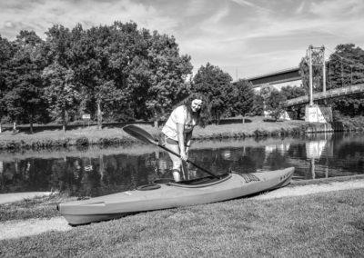 Andrea H. privat mit ihrem Kajak am Neckar