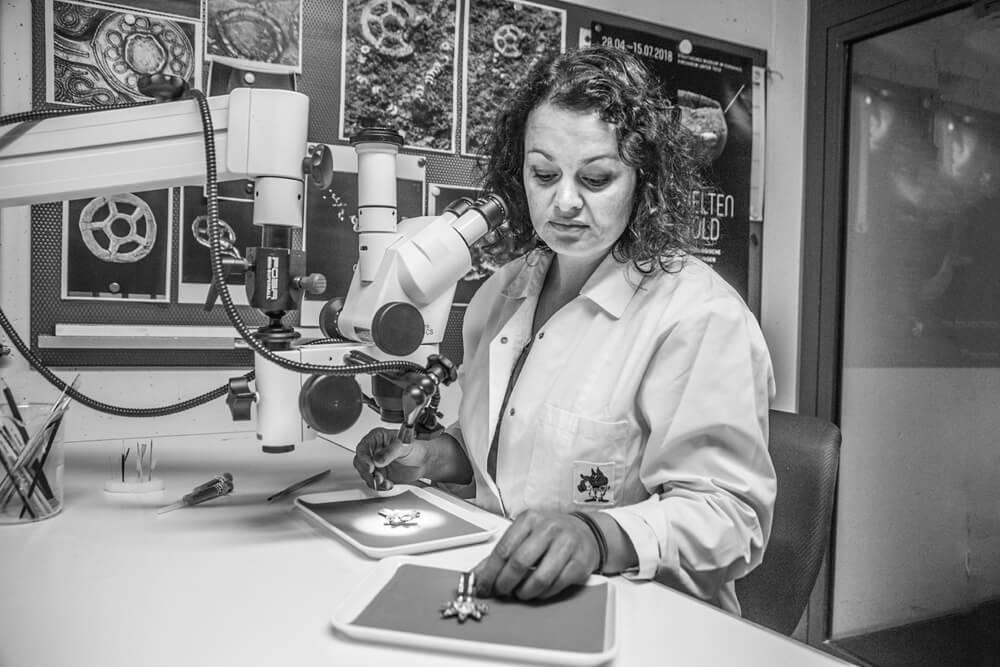Nicole E., Chefrestauratorin