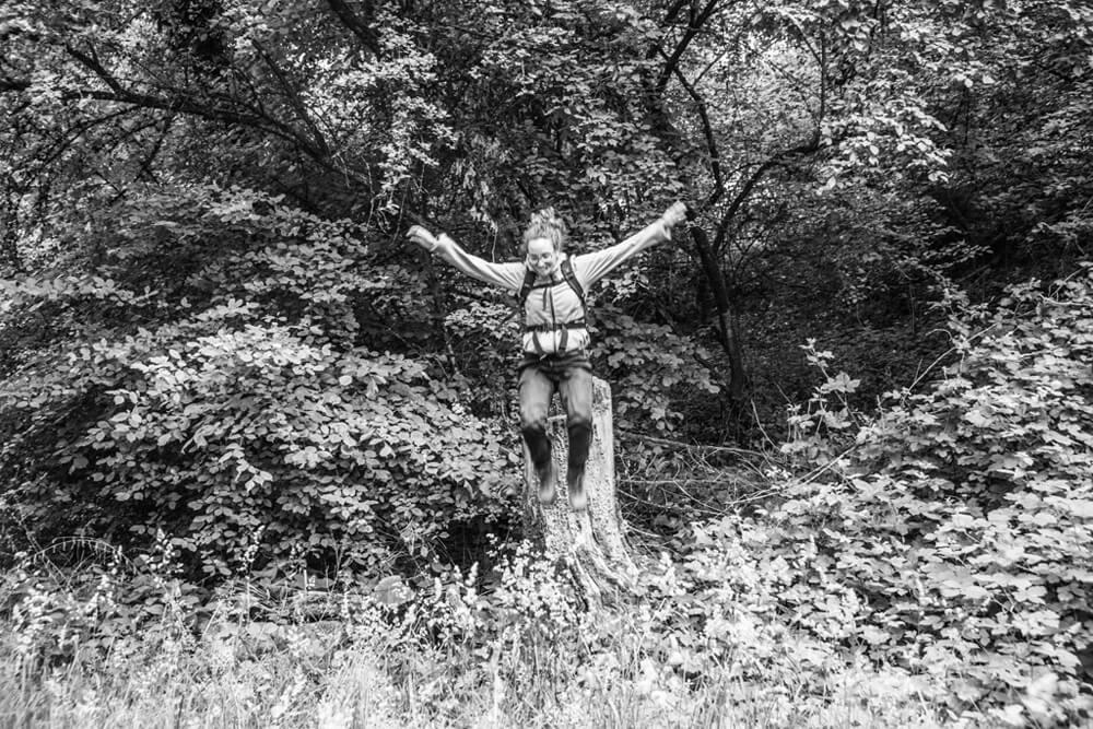 Anna R. privat im Wald